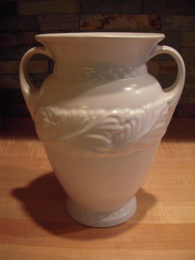 Vintage 9 Inch Abingdon Art Pottery White Leaf Band Vase 153 Ebay